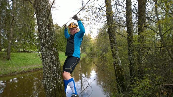 Spring Adventure 2014 - Tipi ylittää jokea